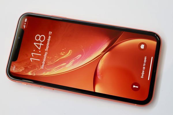 Photo of آبل تعلن عن ثلاث هواتف جديدة